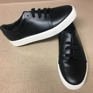 Vince bale leather low top sneakers